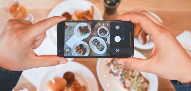 food blog influencer